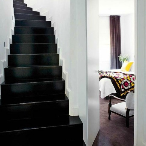 Photo: http://www.martinelouise.com/2012/01/design-noir-black-interior-accents.html