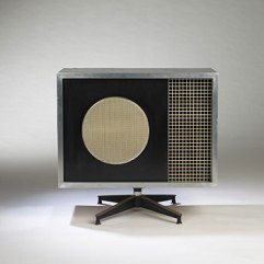 Photo: http://www.architonic.com/dcsht/quadraflex-speaker-los-angeles-modern-auctions/4106062
