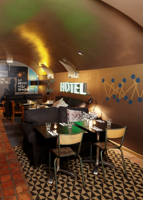 http://designjoyblog.com/2014/05/14/le-caveau-lausanne-restaurant-and-bar-design-awards-nominee/#jp-carousel-1837
